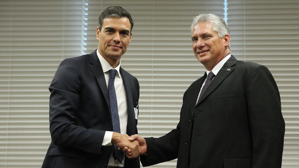 El presidente de España, Pedro Sánchez, y el líder cubano, Miguel Díaz-Canel